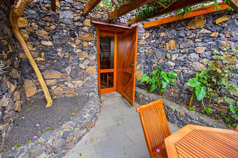 FREE WIFI, 2 bedroom house, holiday rental in El Mocanal