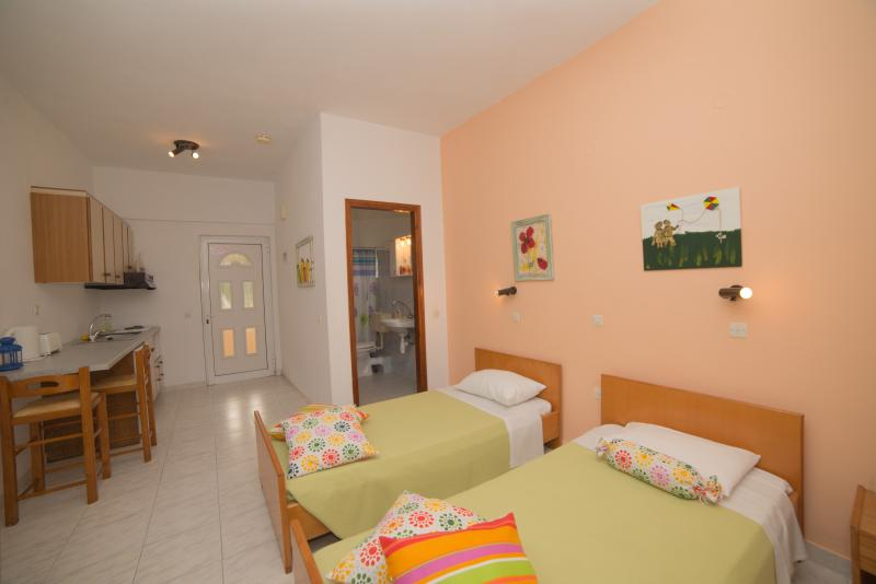 Marina Studios, holiday rental in Avliotes