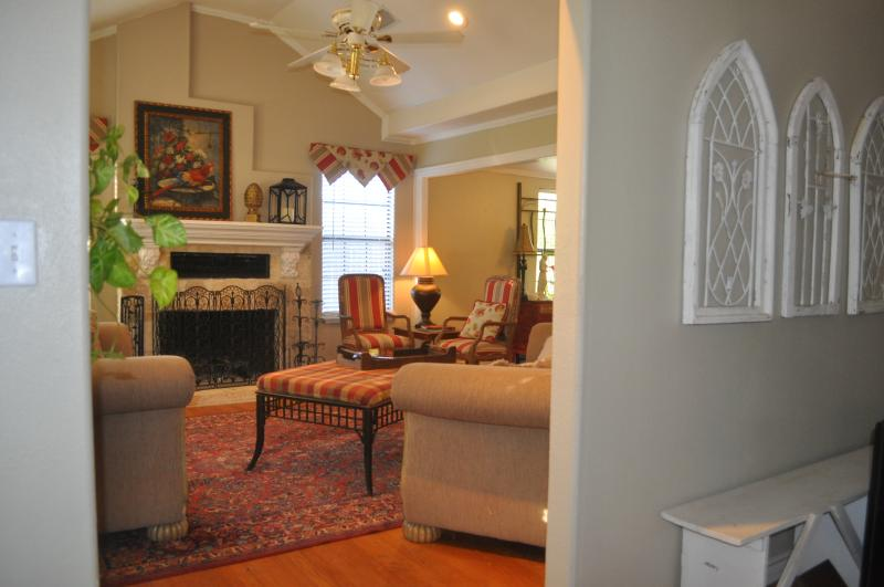 Come home to a comfortable living room Put your feet up enjoy a cozy fireplace or cool ac.& watch tv