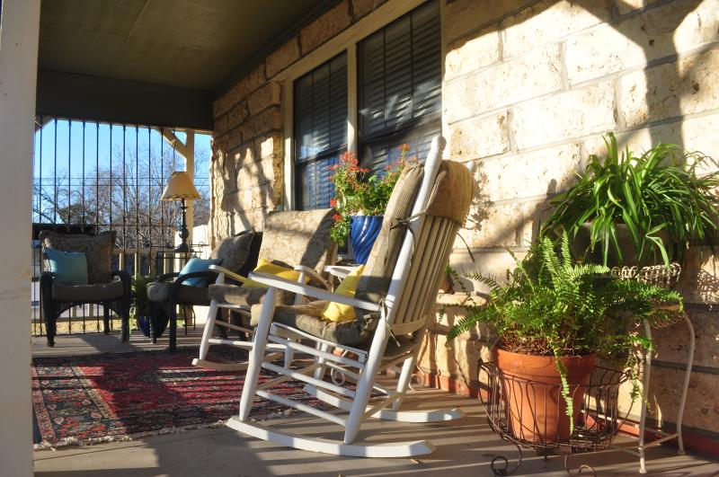 At nanas you can relax rock and swing  on the front porch.Enjoy a hot cup of coffee or a cool drink
