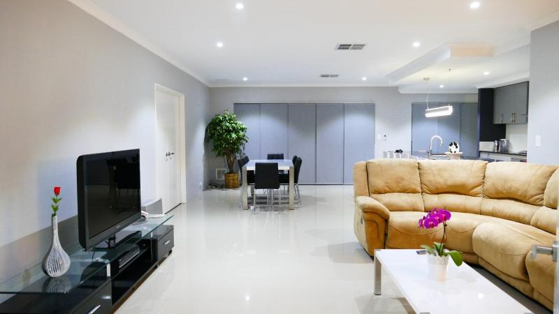 Welcome to Rainbow Dream House PERTH! Your unique holiday home!