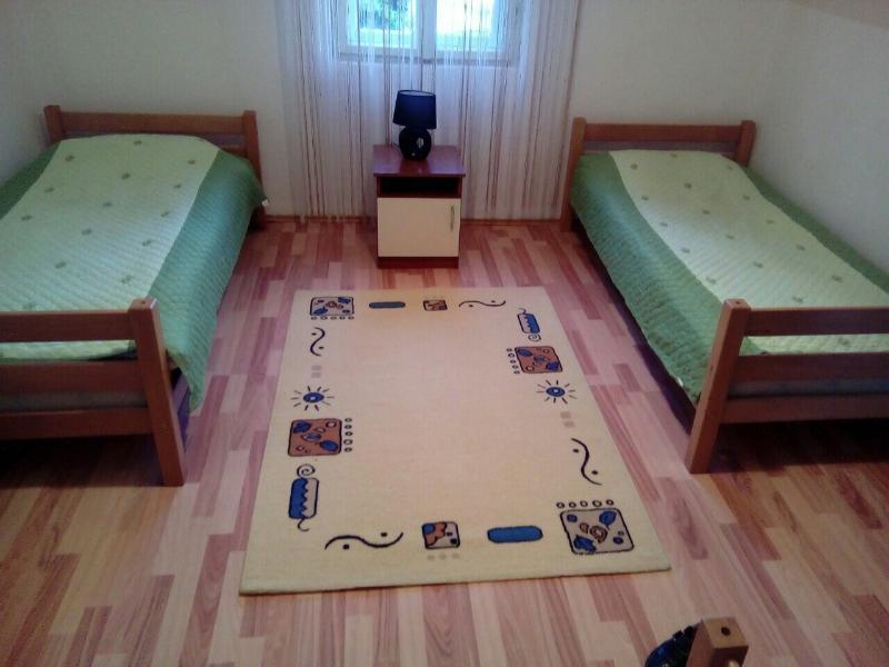 RIJEKA CRNOJEVICA - VUJOVIC'S APARTMENTS FOR RENT, holiday rental in Danilovgrad