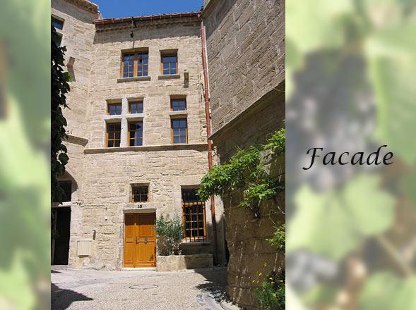 Beautifully Restored 16th Century House in Village, vacation rental in Saint-Thibery