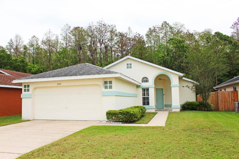 Pat and Ron's Holiday Home, Relaxing Retreat, holiday rental in Kissimmee