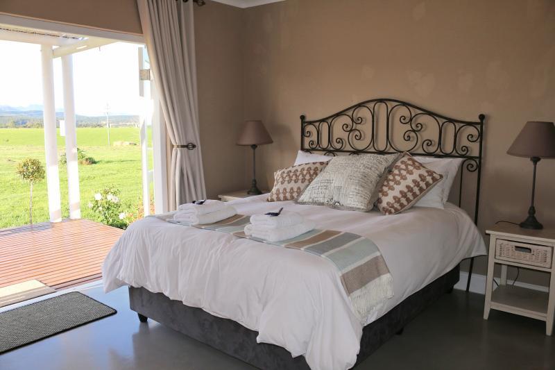Main bedroom is en-suite