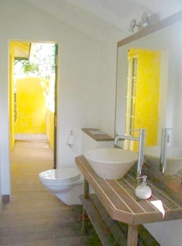 Bathroom with outside shower (ensuite for twin room or general bathroom)