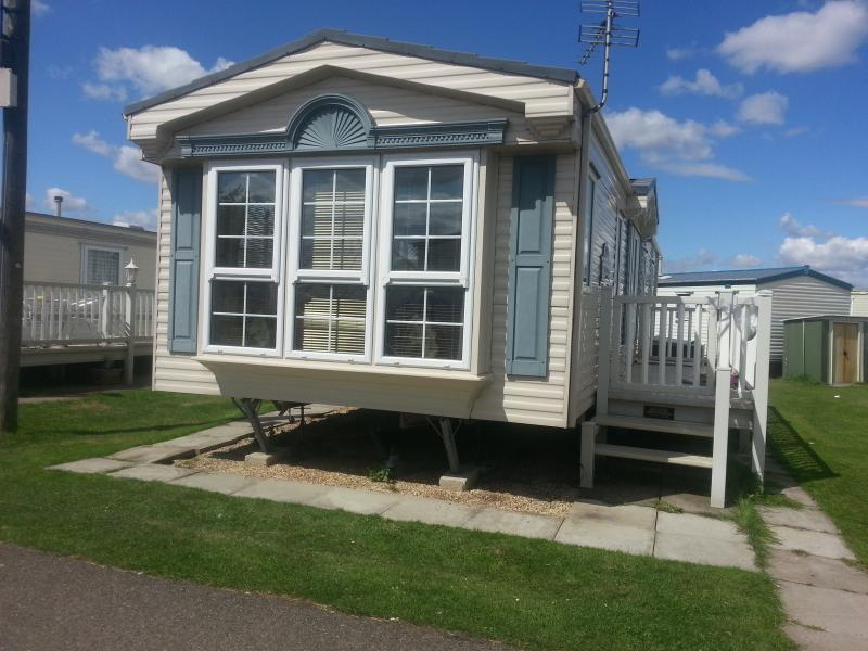 Luxury Willerby Vogue on main walkway through the much loved kingfisher  site Ingoldmells