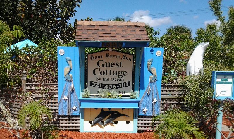 The guest cottage sign.