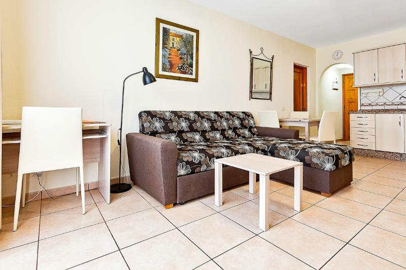 I. Los Cristianos Holiday Home, holiday rental in Los Cristianos