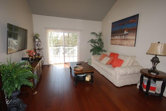 Living Room - 37522 Worcester Dr
