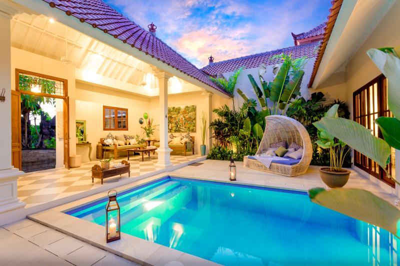 private pool at villa Kayan