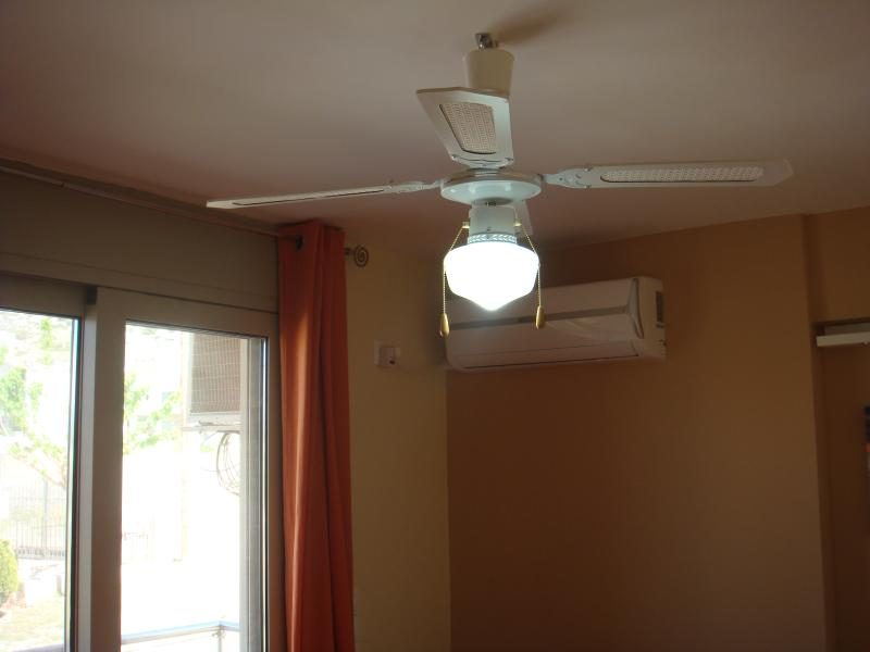 Ceiling fans, in both bedrooms, for those who do not want to use air-conditioning
