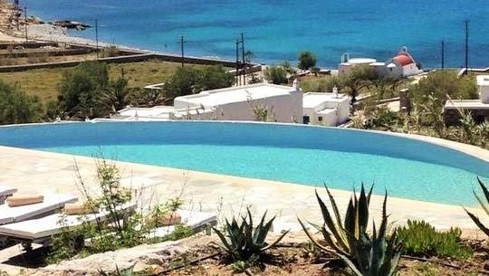 new pool villa anerouses