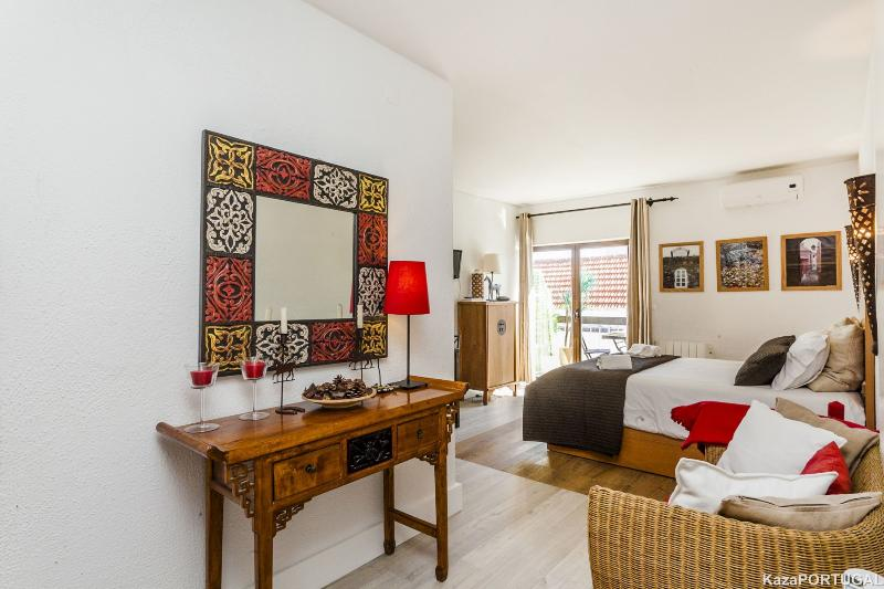 Gomes Freire Studio with Balcony, holiday rental in Cascais