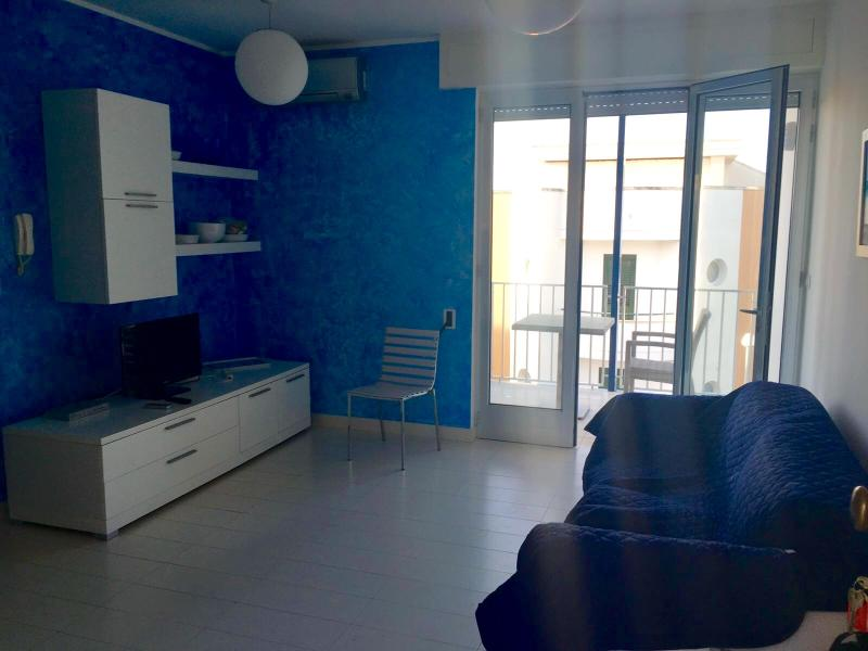 appartamento 200 metri dal mare, vacation rental in Otranto