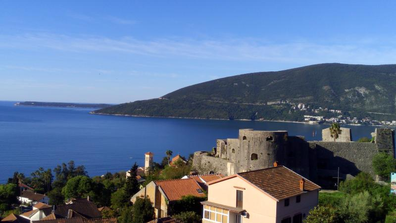 Apartment with view on the see..Bellevue', holiday rental in Meljine