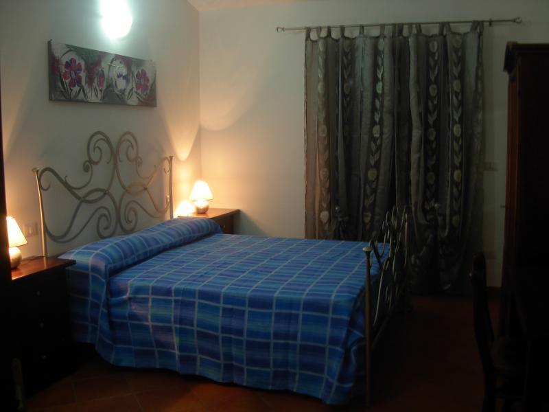 B&B sole e luna Capo Vaticano - Camera 3, holiday rental in Frizza