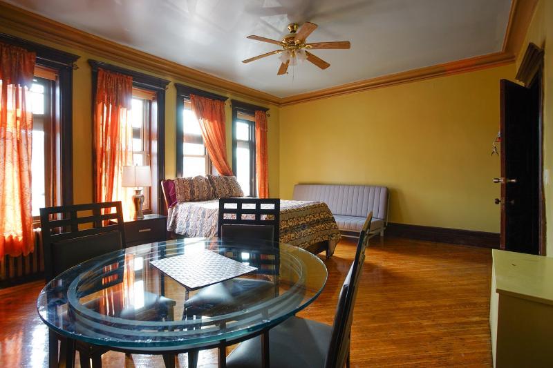 Beautiful Brownstone Room, alquiler de vacaciones en Brooklyn