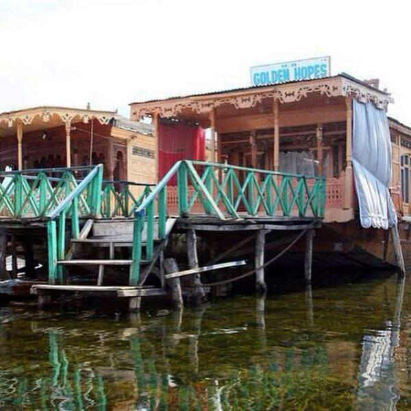 Golden Hopes Group of Houseboats, holiday rental in Harwan