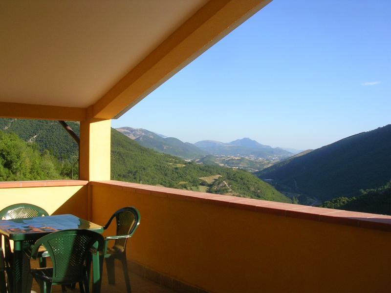 Casa Vacanze-Agriturismo Il Faggio. Appartamento 1, alquiler vacacional en Fabriano