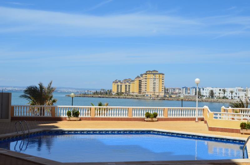 Apartment with fantastic sea views, free wifi, balcony, communal pool, vacation rental in La Manga del Mar Menor