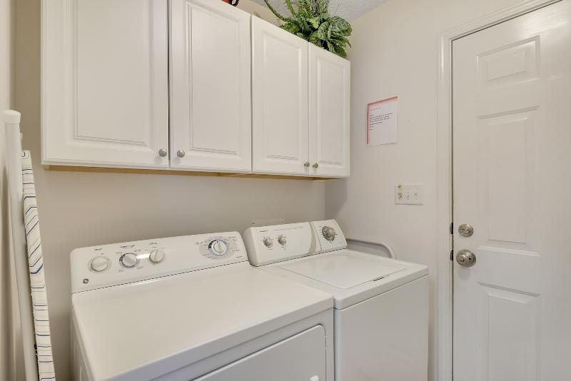 Separate utility room with full size W/D