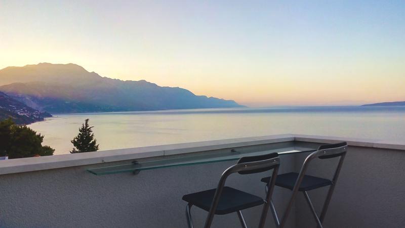 Apartment Botta (Seaside view-near Split), holiday rental in Mimice