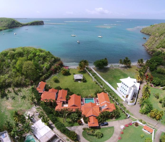 Kingfisher Villa - Grenada's best beachside villa.