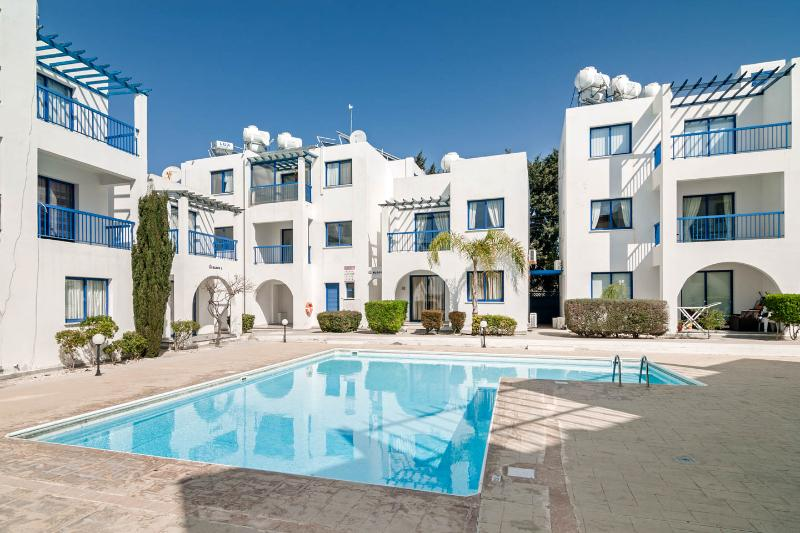 DIANA 52 Ground floor apartment with WiFi. SAT TV, vacation rental in Paphos