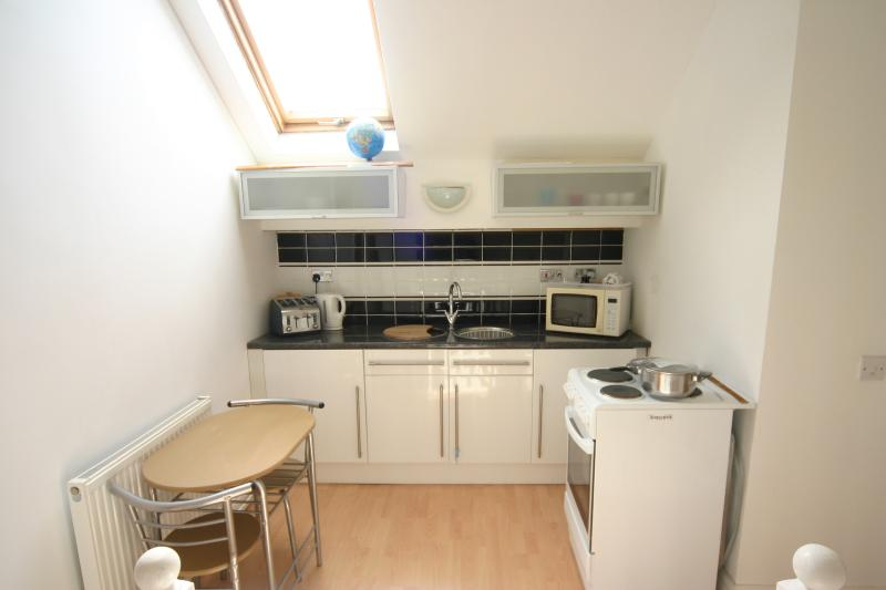 The kitchen with full facilities