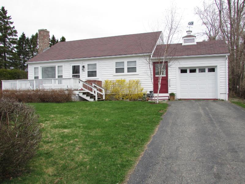 Charming bungalow with water view next to downtown St. Andrews.