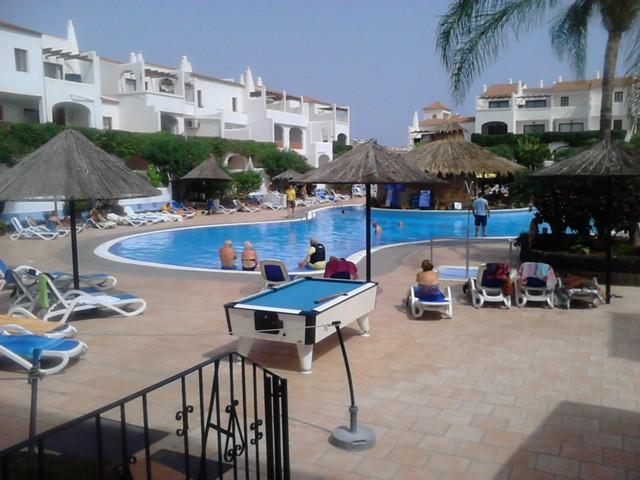 Beautiful apartment on a fabulous complex ideal for families / couples seeking a holiday in the sun.