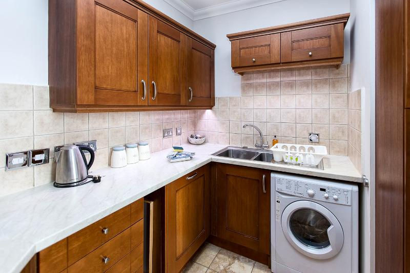 Well furnished kitchen, which can be closed off from the living area.