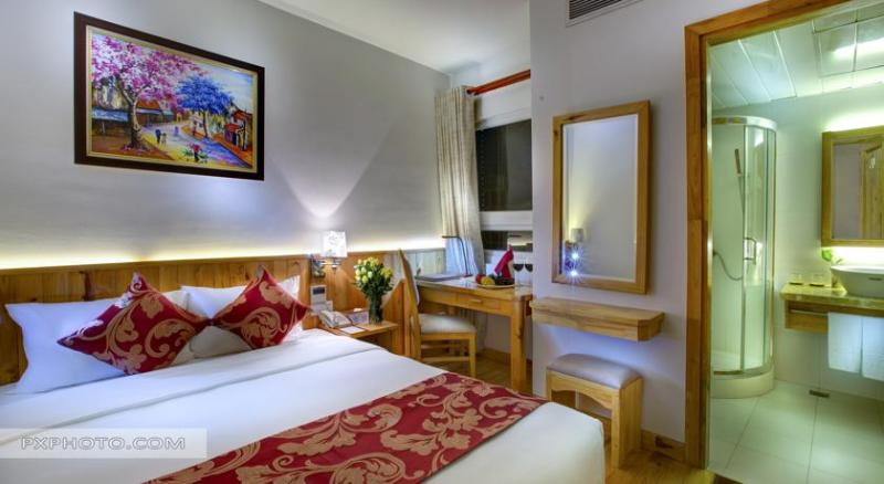 INTERCONNECTING ROOM WITH TERRACE, holiday rental in Hanoi