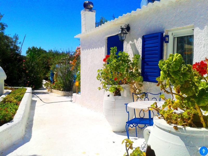 Xenon House, vacation rental in Thermisia