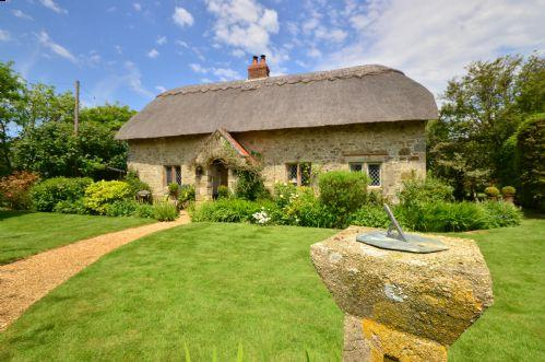 Grade 2 Listed Character Cottage