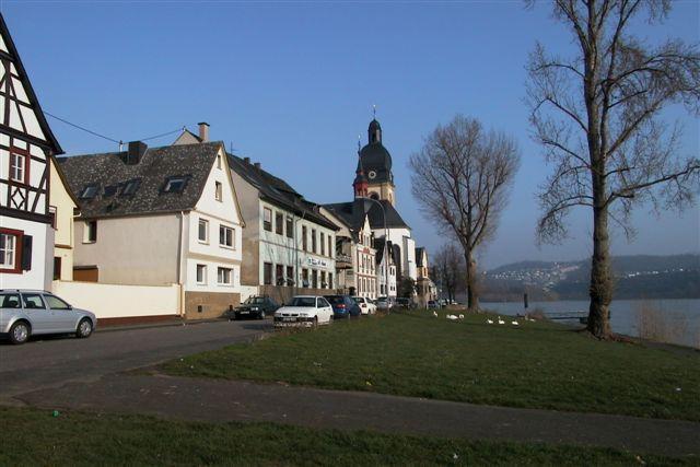 Unser Ferienhaus direkt am Rhein.
