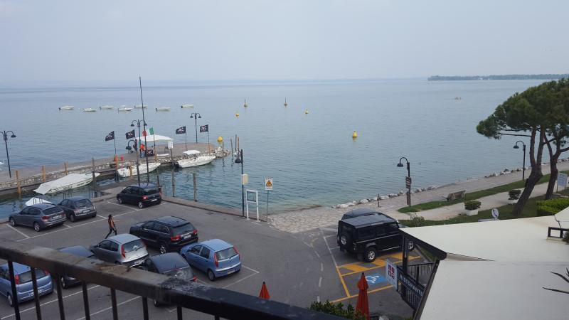 Vista sul porto Galeazzi dal terrazzo dell'appartamento
