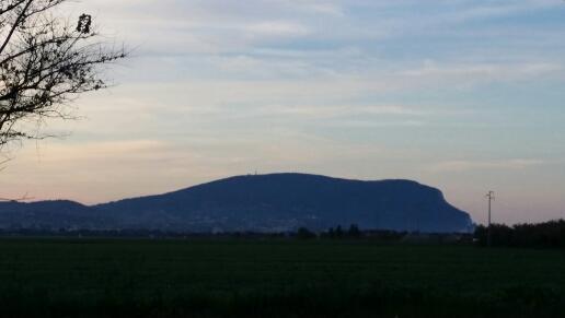 Vista Monte Conero dall'entrata del Villaggio