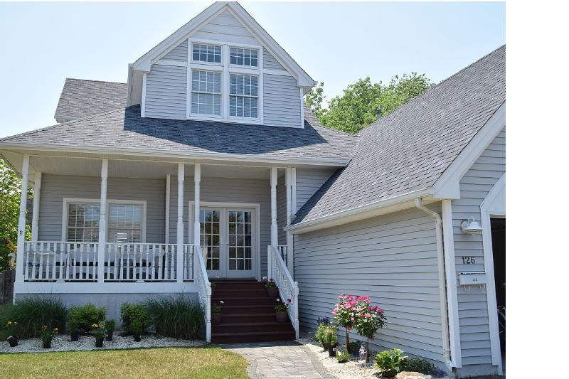 Beautiful 4bdr home in the heart of Beach Haven