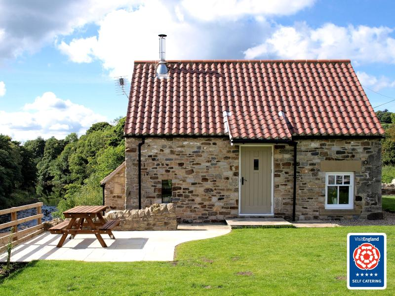 Plum Tree Cottage, holiday rental in Ramshaw