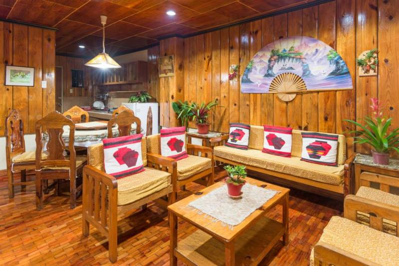 Tiptop Unit 302- 3 Bedroom/2 Bathroom apartment – sleeps 12, alquiler vacacional en Benguet Province