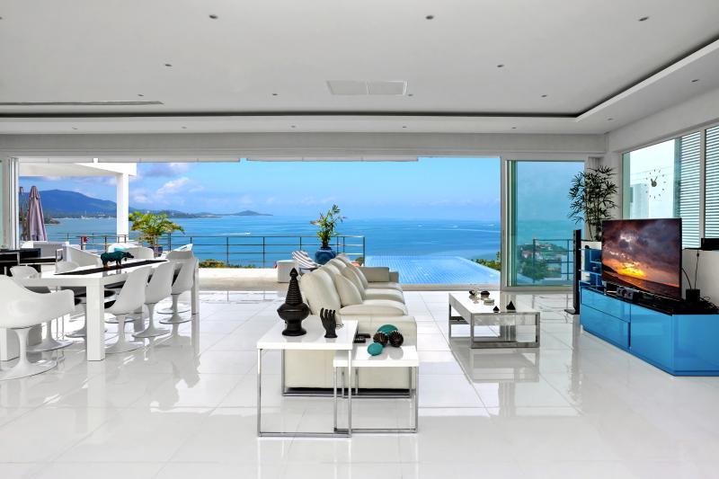 VILLA BLANCHE superbe vue mer face à Big Buddah, vacation rental in Choeng Mon