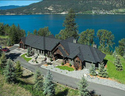LUXURY LAKE HOME EXCELLENT LOCATION STUNNING VIEWS UPDATED
