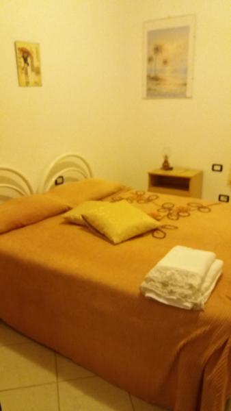 Tortolì camera privata in bed and breakfast, Ferienwohnung in Girasole