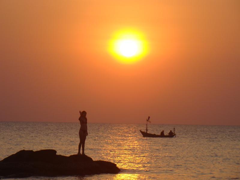 sun set Ong Lang Beach