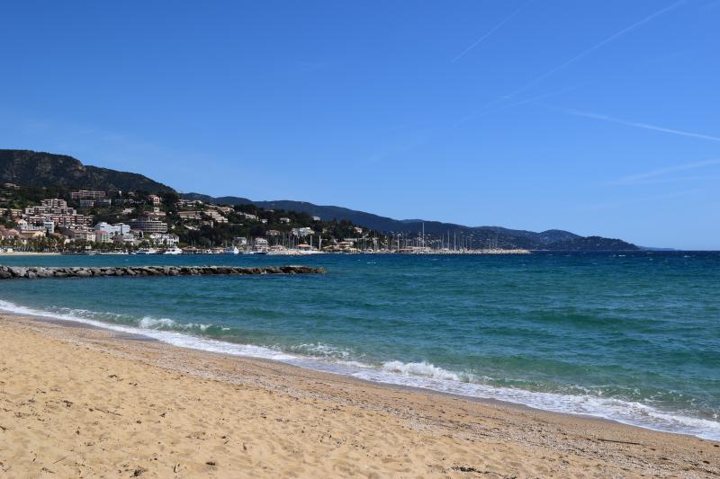 Le charme du Lavandou, sa plage et son calme