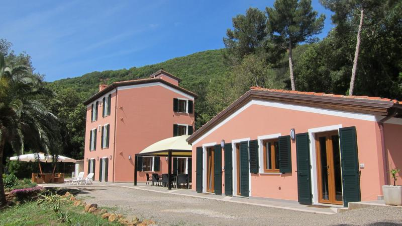 Monolocale al B&B Capo Pero, vacation rental in Cavo