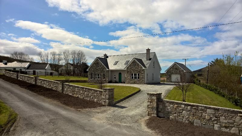 Beach-side house, vacation rental in County Mayo