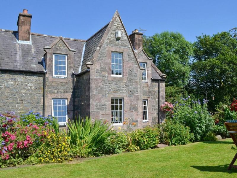 Scaurbrae Cottage,Speddoch, Dumfries, holiday rental in Dumfries